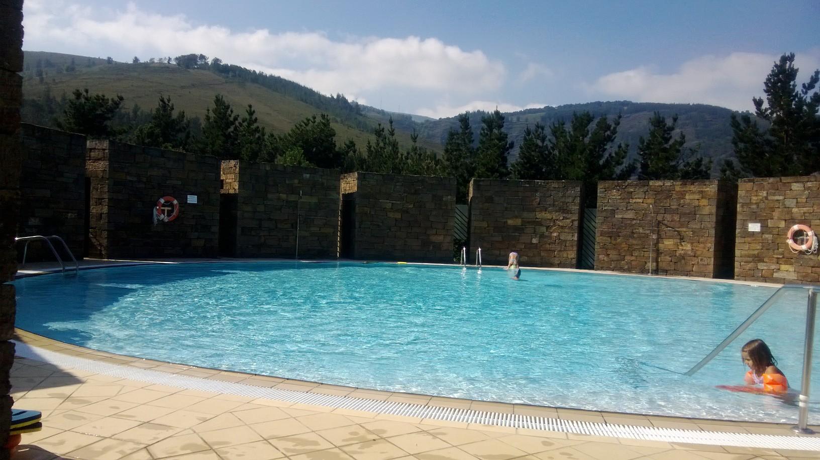 Ayer en illano volvimos a abrir el rea de folgueir u un for Piscinas en asturias
